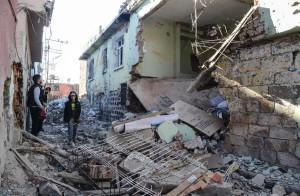 Καταστροφές στις Κούρδικες περιοχές. Σουρ - Ντιγιάρμπακιρ
