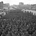 Η «παρέλαση των ηττημένων»: Όταν χιλιάδες αιχμάλωτοι ναζί βάδιζαν στους δρόμους της Μόσχας (βίντεο)
