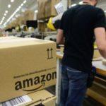 Καταγγελίες για Amazon: «Ουρούν σε πλαστικά μπουκάλια» οι εργαζόμενοι για να μη χάνεται χρόνος στη βάρδια!