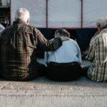 Στα 72 το όριο ηλικίας συνταξιοδότησης ένεκα μνημονίων, υποαπασχόλησης και δημογραφικού
