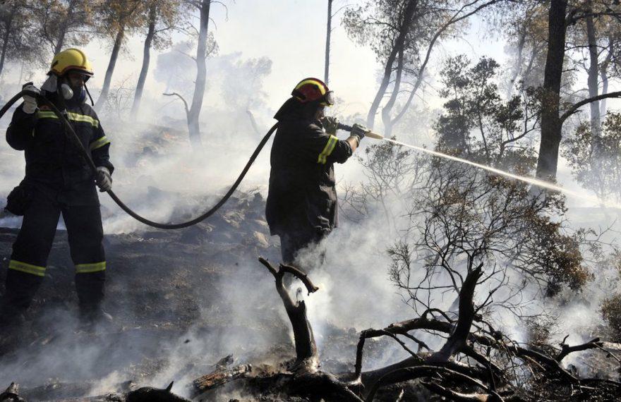 Greek-firefighters